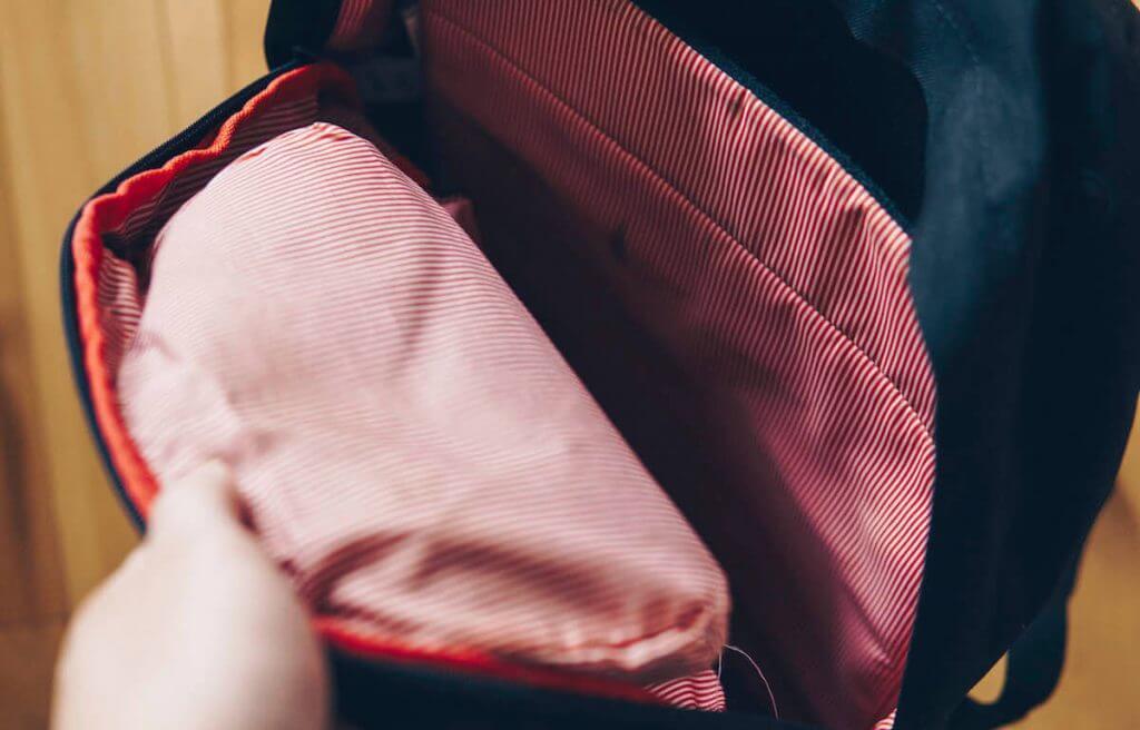 herschel essential tech bag
