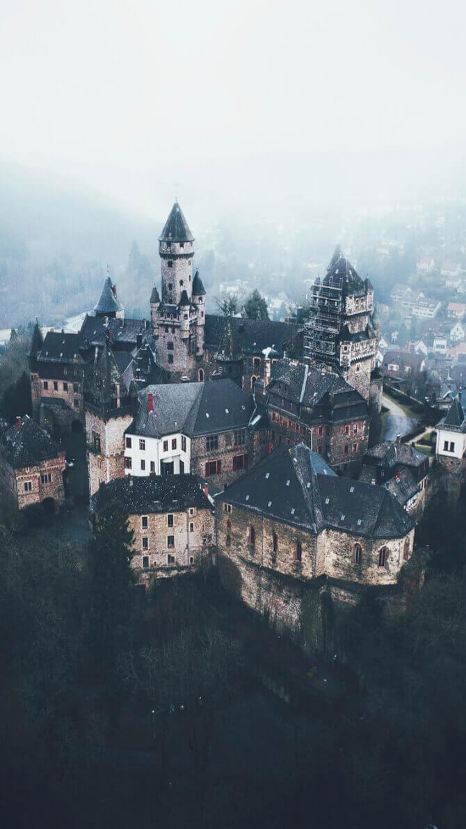 Lennart Castle Drone Wallpaper