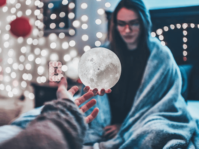 Brandon Woelfel moonlamp