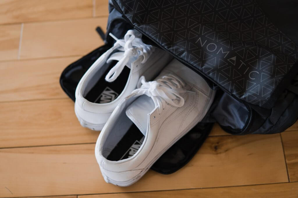 Nomatic bag shoe pocket