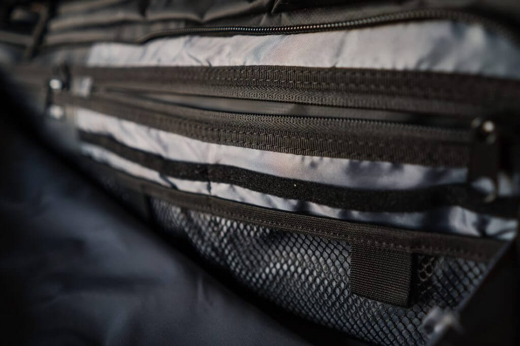 Nomatic travel bag pockets
