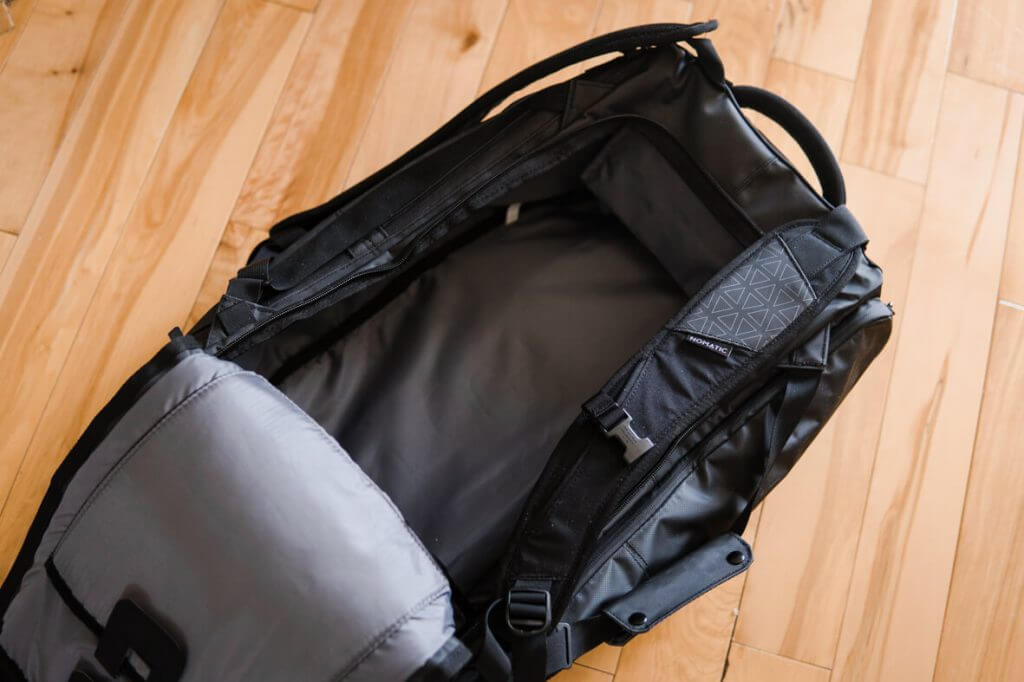 nomatic fashionable travel bag