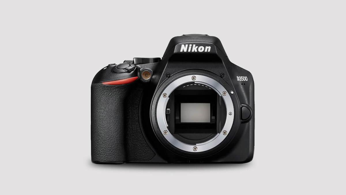 Nikon D3500 Car Photos