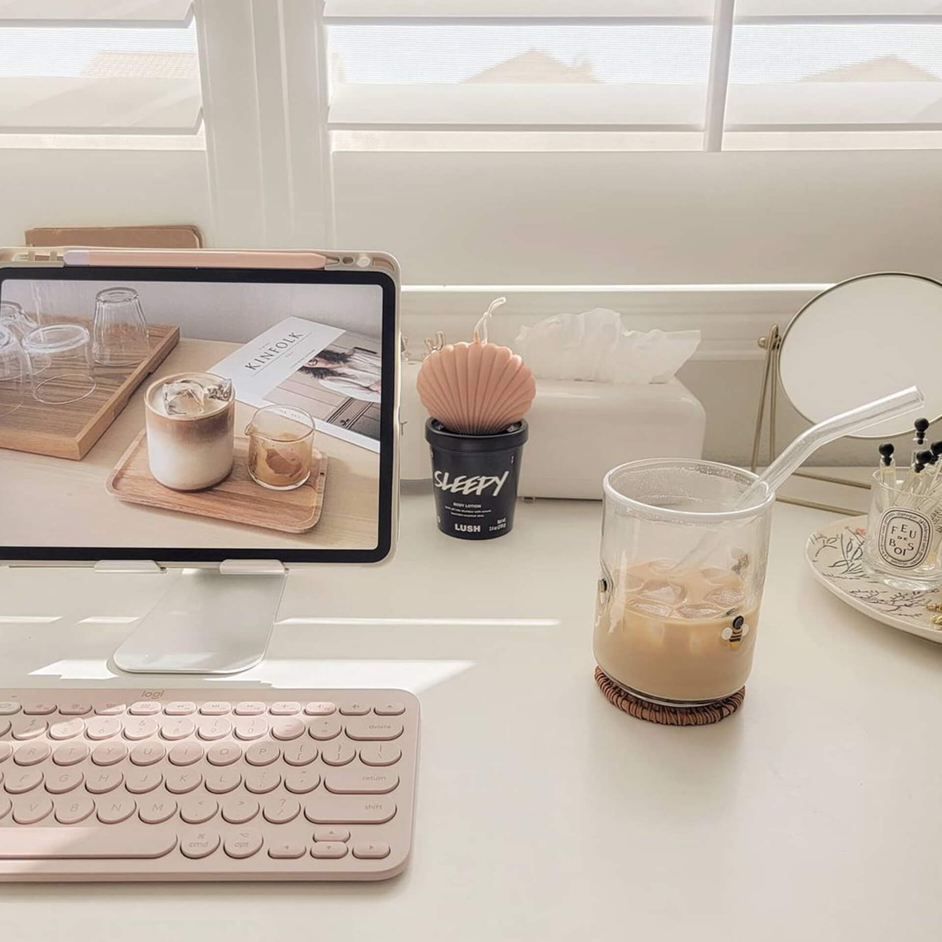 iPad Aesthetic Desk Setup