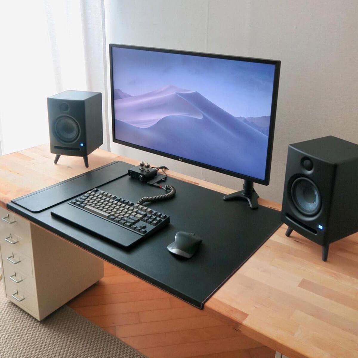 Gaming Desk Pads & Wrist Rests