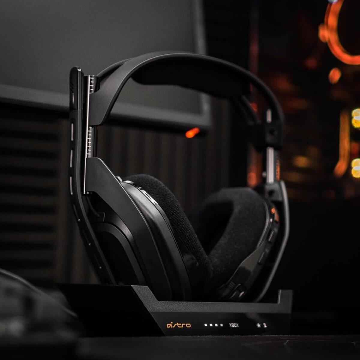 Minimalist Gaming Headset & Microphone