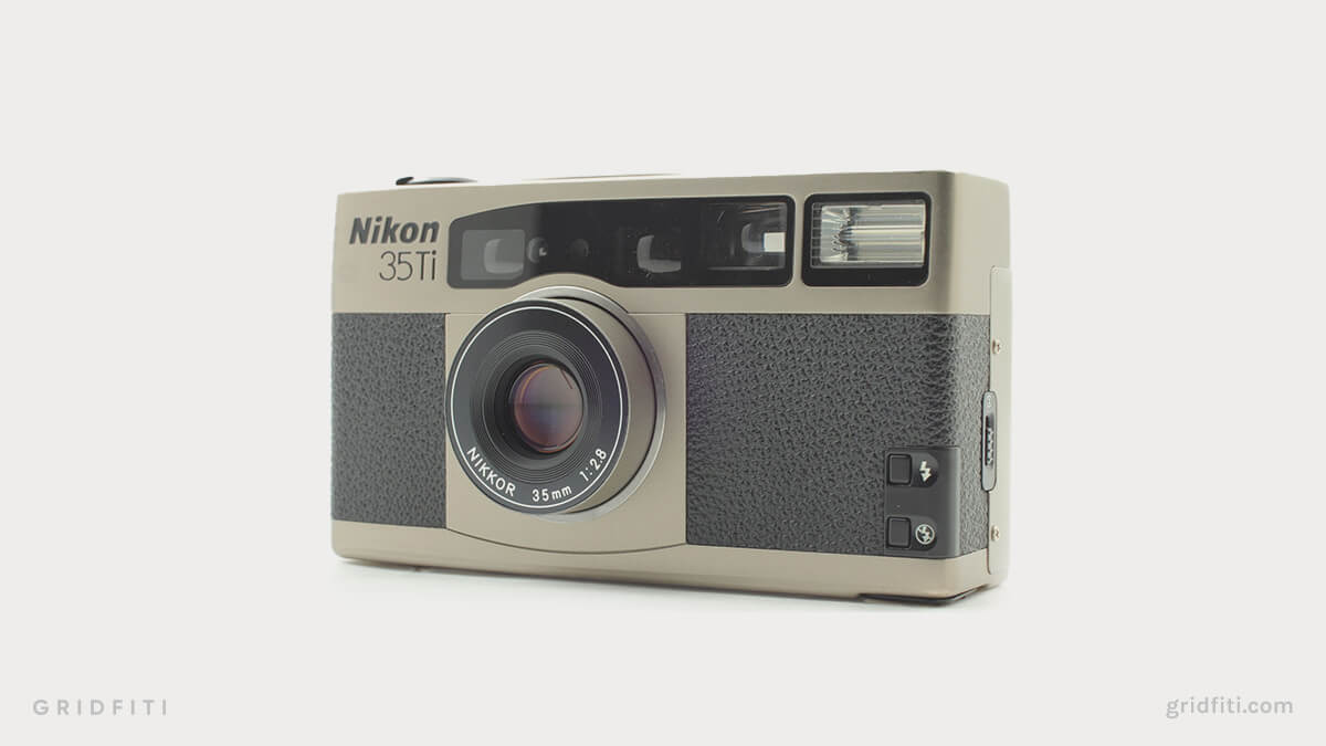Nikon 35Ti vs Contax T2